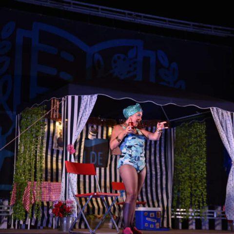 """ESTA NOCHE """"LA CHANCA ES TEATRO"""" PRESENTA """"EL SHOW DE LA BIENVE"""". Aquí puedes oír la entrevista con Elena Bolaños, actriz, autora y directora de la obra. ESTA NOCHE """"LA CHANCA ES TEATRO"""" PRESENTA """"EL SHOW DE LA BIENVE"""". Divertidísima función del """"Er SHOW de la Bienve"""", interpretada por Elena Bolaños de bricAbrac Teatro. Gracias a todo el equipo de """"LA CHANCA ES TEATRO"""". Fotos de Delegación Cultura Conil."""