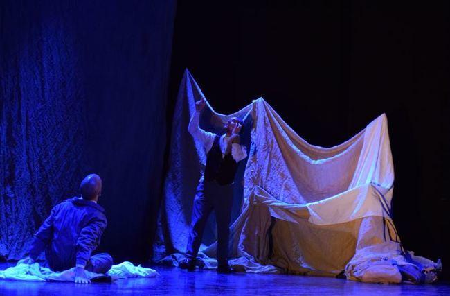 Crítica de LE COEUR DE L'AVIATEUR de bricAbrac Teatro de Noticias de Almería - Teatro en Francés