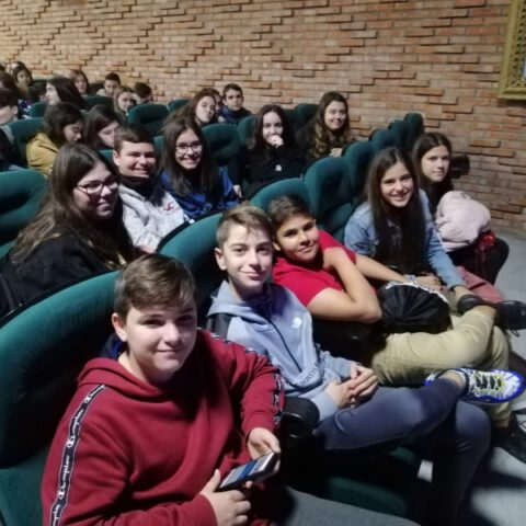 Crítica de Le PETIT PRINCE de bricAbrac Teatro IES Mar del Alborán de Málaga - Teatro en Francés