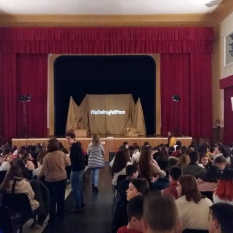 Crítica de Le PETIT PRINCE de bricAbrac Teatro del IES Profesor Tierno Galván - Teatro en Francés