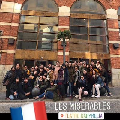 Crítica de LES MISÉRABLES de bricAbrac Teatro del IES LLano de la Viña - Teatro en Francés