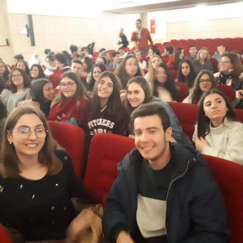 Crítica de LES MISÉRABLES de bricAbrac Teatro del IES Hermógenes Rodríguez - Teatro en Francés