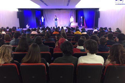Crítica de LES MISÉRABLES de bricAbrac Teatro del COLEGIO MADRID - Teatro en Francés