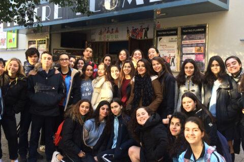 Crítica de LES MISÉRABLES de bricAbrac Teatro del COLEGIO SAN PEDRO PASCUAL - Teatro en Francés