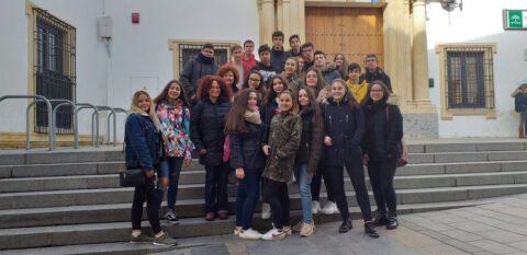 Crítica de LES MISÉRABLES de bricAbrac Teatro del IES AVERROES - Teatro en Francés
