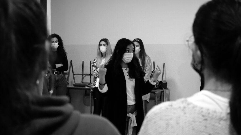 CURSO INTENSIVO de TEATRO APLICADO EN EL AULA impartido por ELENA BOLAÑOS de bricAbrac Teatro en la ESCUELA DEL DEPORTE de HUELVA